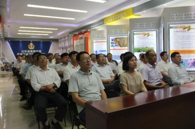 梁山县组织200余名干部赴优发国际娱乐监狱接受警示教育