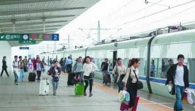 高铁出游火爆!端午假期高铁发送旅客34040人