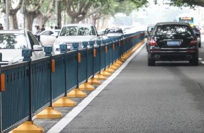 千赢娱乐复新15万平米道路交通标线 7月中上旬结束