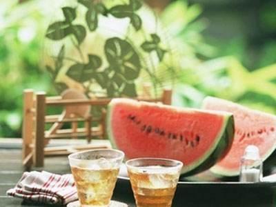 夏季西瓜皮泡茶,助你解暑轻松度炎夏