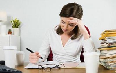 久坐增加14种疾病风险 专家建议每坐1小时起身2分钟