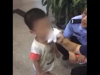 """济宁朋友圈疯传""""山东口音小孩被拐""""视频  真相:系走失已被家人领走"""