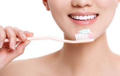 饭后立即刷牙?药物对男女效果一样?这10大保健常识是错的