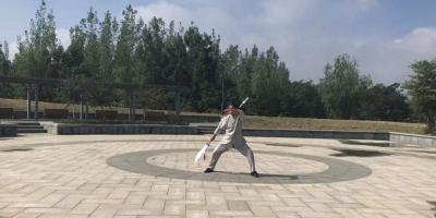 """济宁功夫狂人 民间""""鞭王""""展绝技"""