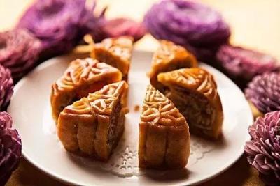"""@正版铁算盘人 吃月饼要""""口下留情"""",中秋月饼怎么吃才健康!"""