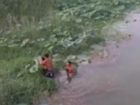 暖心!金乡俩小伙勇救落水妇女 村民纷纷点赞