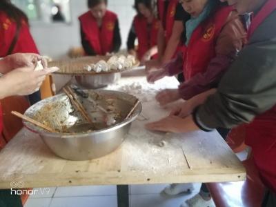 太白湖新区石桥镇:敬老感恩重阳节 志愿服务送温暖
