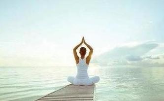 """女子练瑜伽手机掉进西湖 十多人变身""""西湖捞哥"""""""