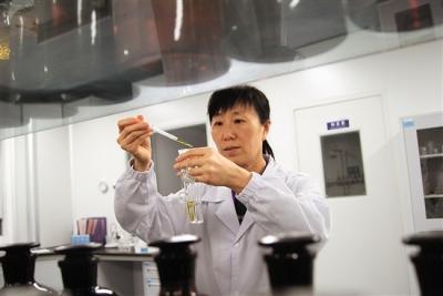 总投资80多亿!12个高端化工生物医药项目签约落户龙8