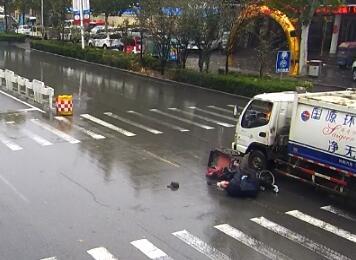 警示!监控记录车祸瞬间,值得所有人看看