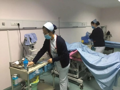 龙8市第一人民医院产科开展急危重症孕产妇抢救演练