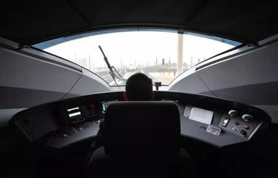 10条高铁新线年底前开通,试行车上3瓶矿泉水惊呆众人