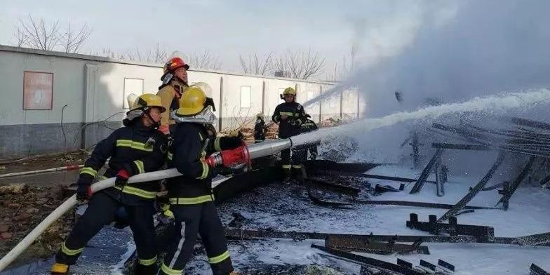 点赞!济宁消防成功处置一起火灾事故 仅用90分钟将火扑灭