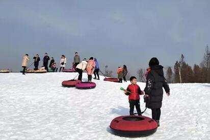 冬日旅游好去处!在家挣钱的太白湖滑雪场即将开滑