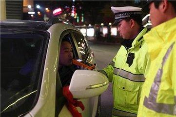 六合图库这76名驾驶人涉嫌危险驾驶罪 驾驶证没了