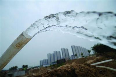 龙8城区日均新增2万4千立方米供水量
