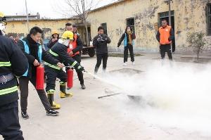 实施消防实战演练 共建综合减灾安全村居