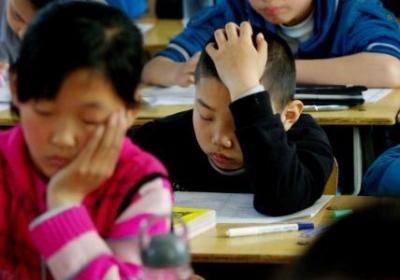 六年级学生刚出考场立马写悔过书:马失前蹄·恨