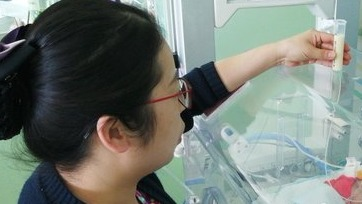 记者探访山东首家母乳库,两年内492名妈妈捐献母乳