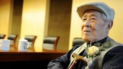 著名作家白桦凌晨去世