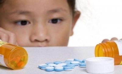 """""""儿科用药宝典""""热传 药监局权威解析这些药品谣言"""