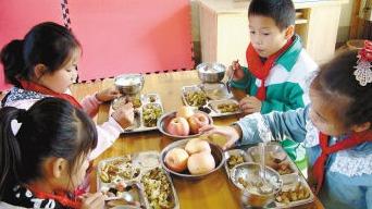 @必威betway家長 2019年春季學生小飯桌登記名單公示
