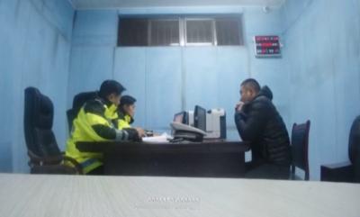 酒駕男逃逸慌不擇路跑向交警隊 被直接帶進審訊室
