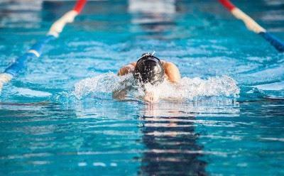 游泳将统一纳入中考必考项目?教育部辟谣
