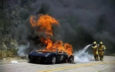 新能源汽车起火,你需要这样扑灭