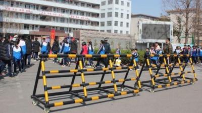 兗州區170多所學校(幼兒園)安裝防衝撞設施
