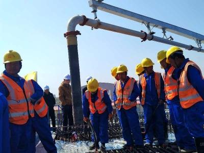 鲁南高铁曲菏段全线开工 开始浇筑第一片梁