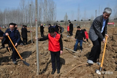 踐行綠色發展理念 兗州掀起春季植樹造林熱潮