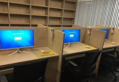 济宁市图书馆公共电子阅览室试运行 免费上网阅读