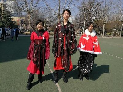 牛!济宁这群高中生自己设计服装自己走秀,还得了大奖