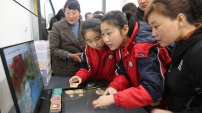 传统文化遇上高科技 曲阜夫子学校举办科技嘉年华