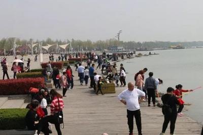 清明小長假第二天 太白湖景區游客量突破3萬人次