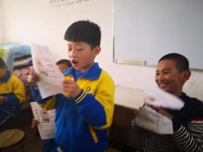 誦讀經典文化,傳承中華文明  小小朗讀者展風采