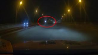 酒驾司机撞开警车调头就跑  途中遇险民警救助