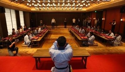 """外媒记者走进曲阜尼山圣境 体验中国传统""""食礼文化"""""""