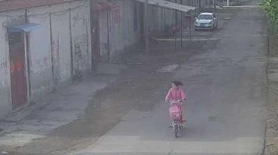 微山11歲女孩負氣離家出走,民警及時幫找回