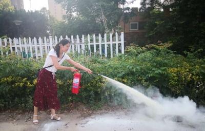 北湖衛生院舉辦消防安全知識培訓和滅火演練