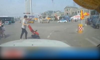 """幼儿突发意外,济宁交警展开""""飓风营救"""""""
