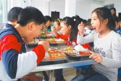 不用再为午餐发愁 省里发话:今年起新建学校将配建食堂