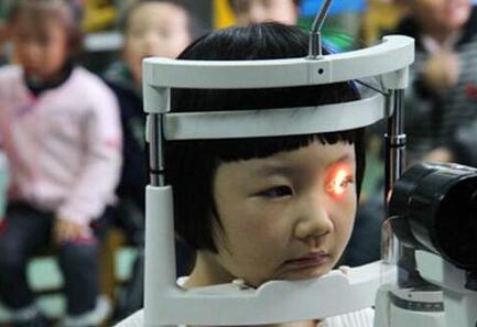 高科技眼罩、針灸按摩  兒童近視治療市場騙局多