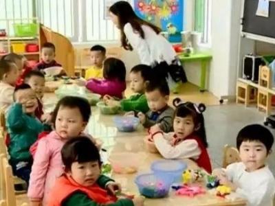 """首批二孩们该入园了!有地方幼儿园开启""""摇号""""模式!"""