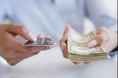 信?#27599;?#21644;网贷应该先还哪个?还错了可能?#28304;?#20111;!