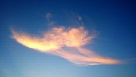 《云是一片移动的天》