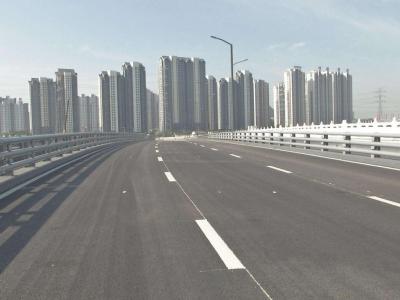 傅明先到城区部分重点项目建设现场走访调研