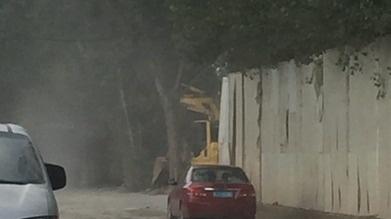 任城一路段扬尘污染严重 部门:立即排查治理