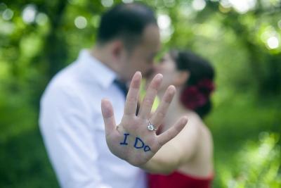 """不結婚是因為""""窮""""? 結婚率新低背後原因引深思"""